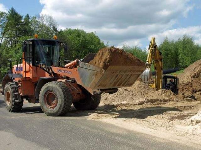Słaby asfalt i opóźnienia, czyli drogowcy z czarnej listy budują i remontują