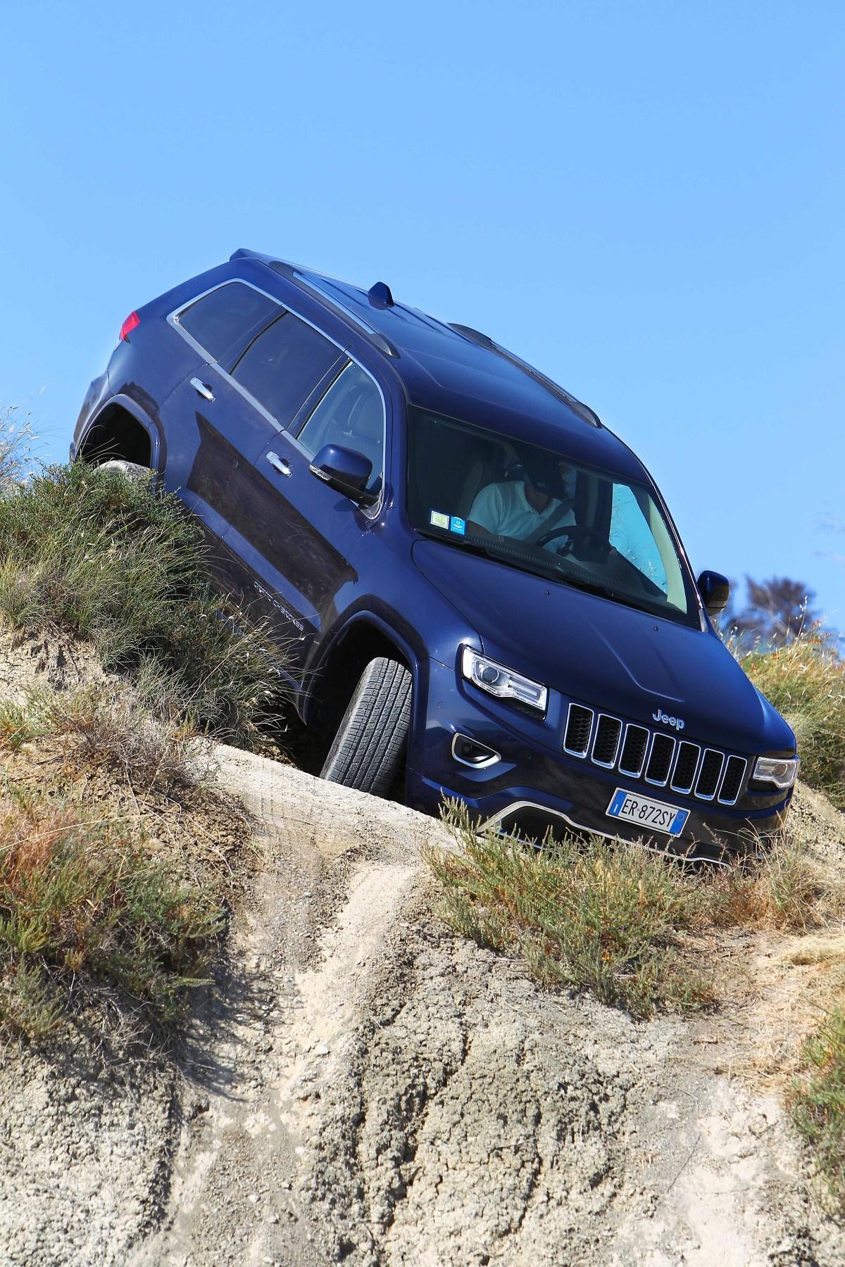 """Samochody Jeep z oznakowaniem Trail Rated poddawane są serii szczegółowych testów stworzonych specjalnie po to, aby udowodnić doskonałe możliwości """"off-roadowe"""" na najbardziej wymagających szlakach świata. Fot. Jeep"""