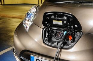 Samochód elektryczny. Ile naprawdę trzeba zapłacić za przejechanie 100 km autem na prąd?
