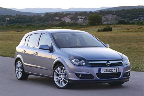 Fot. Opel: Opel Astra III ma nowoczesny design nadwozia, co ma przyciągnąć nabywców.