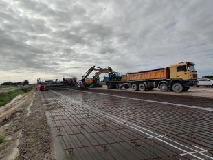 Budowa dróg. GDDKiA testuje nową technologię na trasie S7