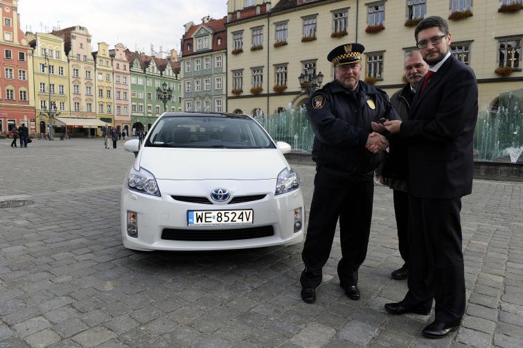 Toyota Prius dla wrocławskich strażników