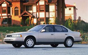 Nissan Maxima III (1988 - 1994) Sedan