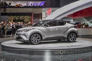 Toyota C-HR  Toyota C-HR będzie dostępna z napędem hybrydowym o mocy 122 KM oraz z silnikiem benzynowym 1.2 Turbo o mocy 116 KM. Toyota zakłada, że w Polsce 70% sprzedanych egzemplarzy będzie wyposażonych w napęd hybrydowy.  Fot. Toyota