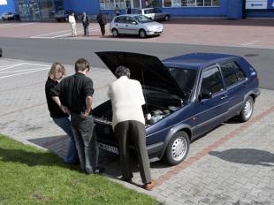 Zakup auta używanego. Tą metodą oszukują handlarze