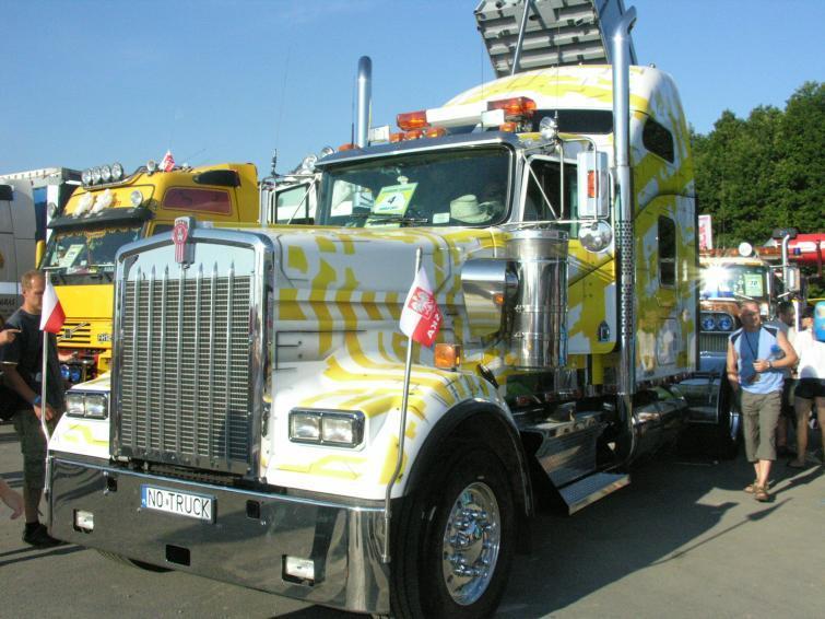 Zlot ciężarówek Master Truck 2011 - przyjechało ponad 200 maszyn