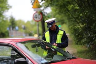 Kontrola drogowa. Co i w jakich okolicznościach mogą policjanci?
