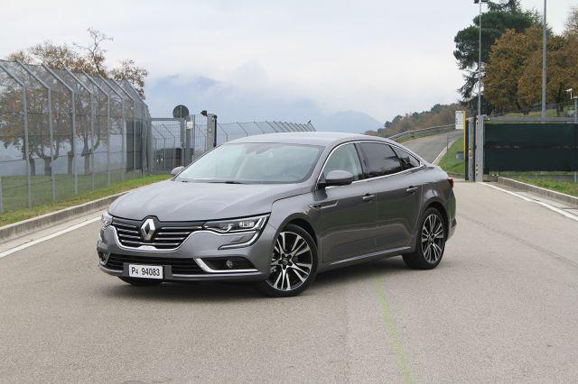 Bezpośrednim konkurentem Mondeo jest m.in. Renault Talisman. Następca Laguny i niezbyt popularnego w Polsce modelu Latitude miał swoją światową premierę podczas frankfurckiego salonu samochodowego we wrześniu 2015 roku / Fot. Renault