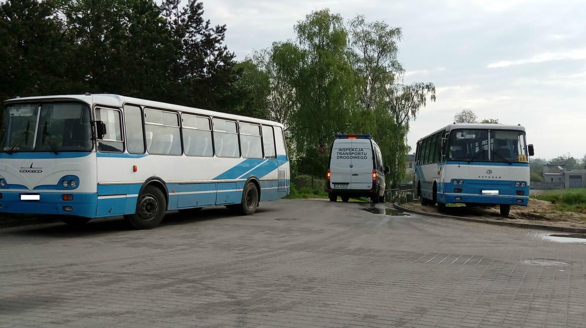 W dniach 15 i 16 maja 2017 r. inspektorzy Wojewódzkiego Inspektoratu Transportu Drogowego w Bydgoszczy przeprowadzali po raz kolejny kontrole stanu technicznego autobusów, które realizują przewozy szkolne.   Fot. ITD