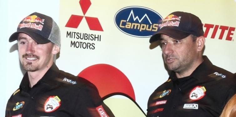 Adam Małysz startuje Mistubishi Pajero w rajdzie Morocco Challenge