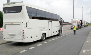 Coraz nowsze autokary i mniej naruszeń przepisów