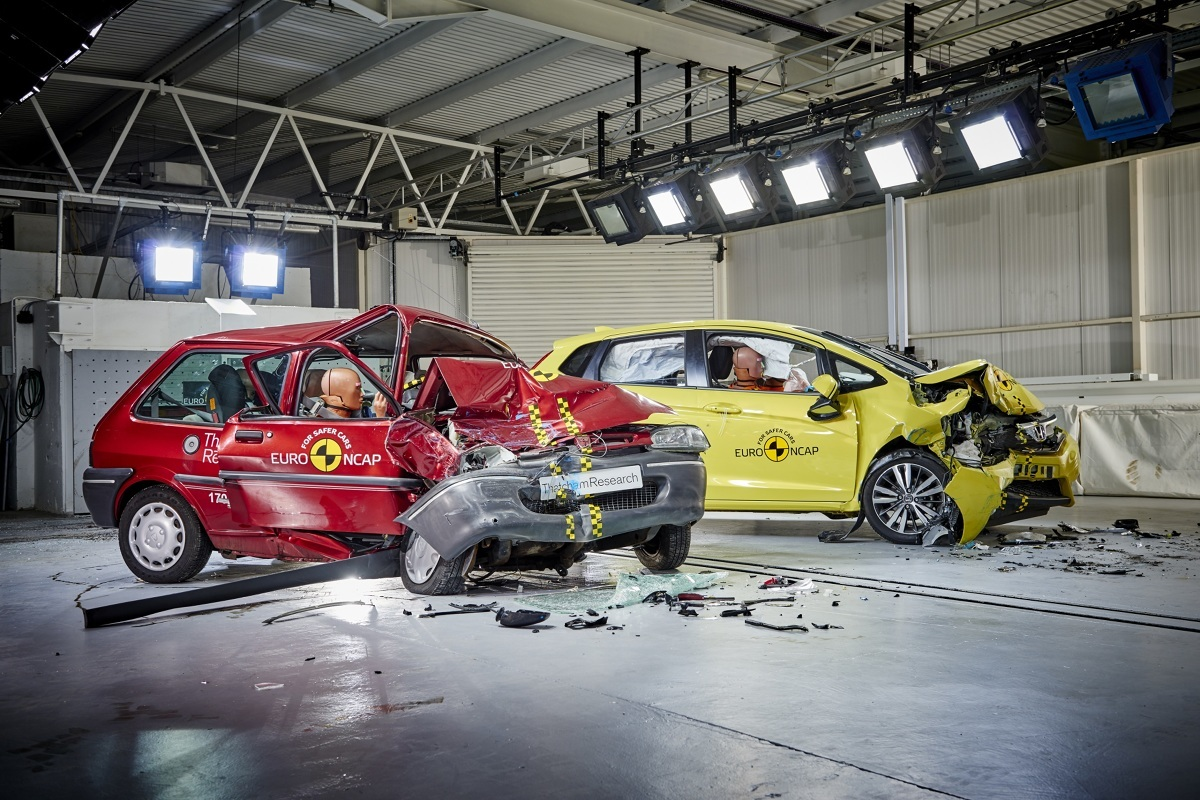 Ponad 78 000 – tyle wynosi szacunkowa liczba kierowców i pasażerów aut, których śmierci udało się zapobiec w latach 1998–2015 dzięki testom zderzeniowym Euro. Sprawdzamy jakie wyniki uzyskały samochody poddane testom w 2016 roku.   Fot. Euro NCAP