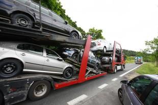 Import aut używanych. Średni wiek pojazdu to niemal 12 lat