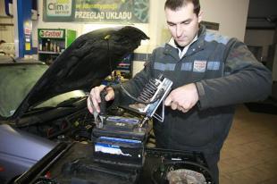 Problemy z odpalaniem auta zimą. Można im samodzielnie zaradzić!