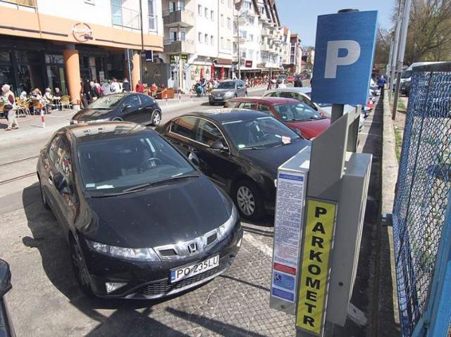 Parkingi w Kołobrzegu: W sezonie szukaj miejsca