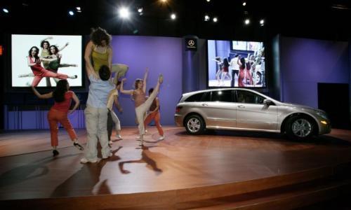 Fot. DaimlerChrysler:  Po tuszy modelek łatwo można rozpoznać, że światowa premiera Mercedesa-Benza klasy R odbyła się w USA.