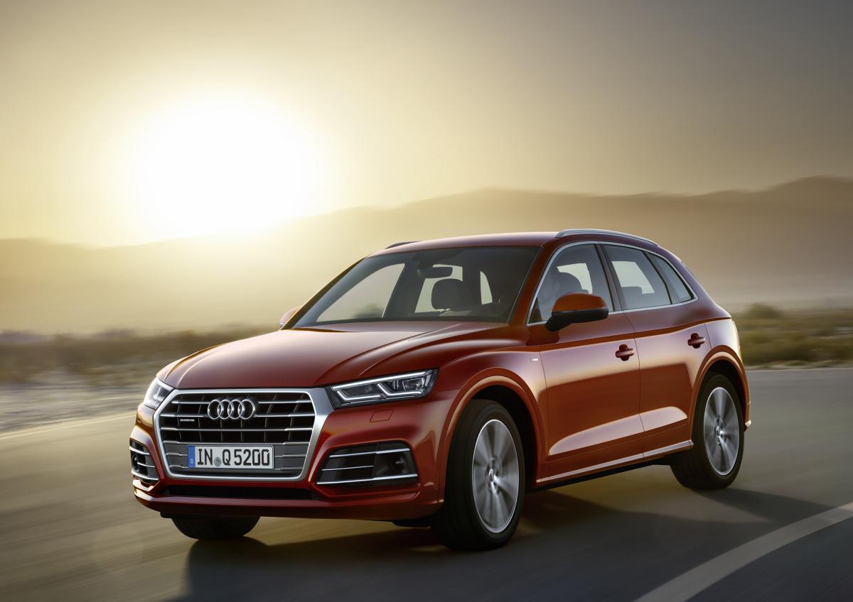 Audi Q5   Audi Q5 uzyskało wysokie wyniki punktowe na polu bezpieczeństwa zderzeniowego, nawet pomimo tego, że jego masa całkowita spadła o blisko 90 kg  w porównaniu z poprzednikiem.  Fot. Audi