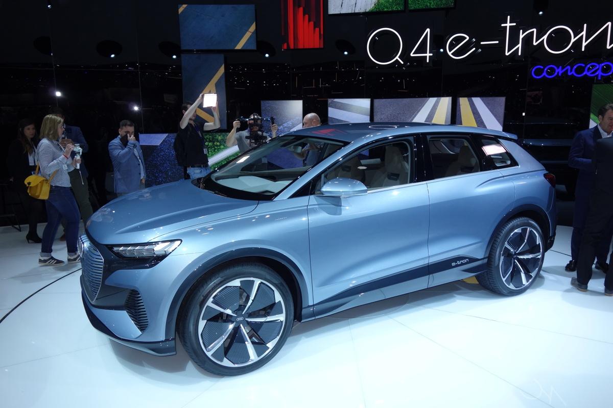Audi Q4 e-tron concept   Dniem prasowym rozpoczyna się dziś salon samochodowy w Genewie. Z oficjalnych komunikatów organizatorów salonu wynika, że można się spodziewać 50 premierowych aut.  Fot. Ryszard M. Perczak
