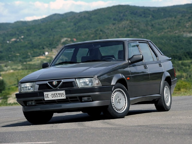 zdjęcie Alfa Romeo 75