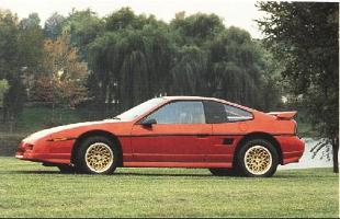 Pontiac Fiero (1984 - 1988) Coupe
