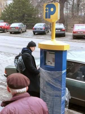 Fot. Magda Kołodzińska: W 1999 roku na ulicach Wrocławia stanęły parkomaty Intelparku, które jednak nie sprawdziły się.