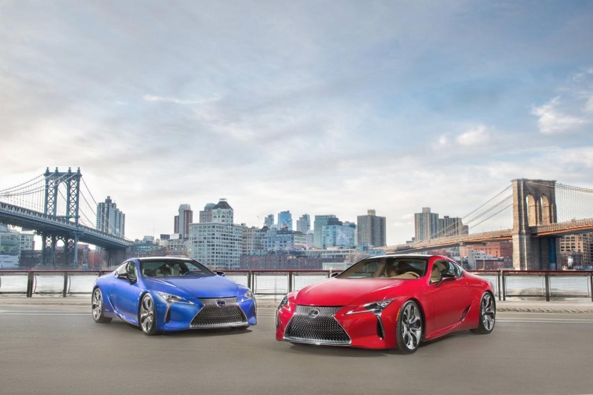 Kontynuując sześciomiesięczne tournee po Europie, nowy Lexus LC weźmie udział w słynnej brytyjskiej imprezie motoryzacyjnej Goodwood Festival of Speed (24 - 26 czerwca)    Fot. Lexus