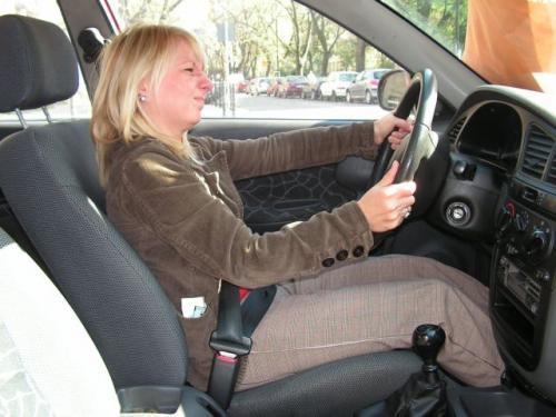 Fot. Tomasz Szmandra: Niesprawne wspomaganie układu kierowniczego znacznie utrudnia manewrowanie samochodem zwłaszcza na parkingu.