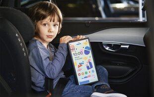 Podróż z dzieckiem. Uwaga - tablet jak cegła