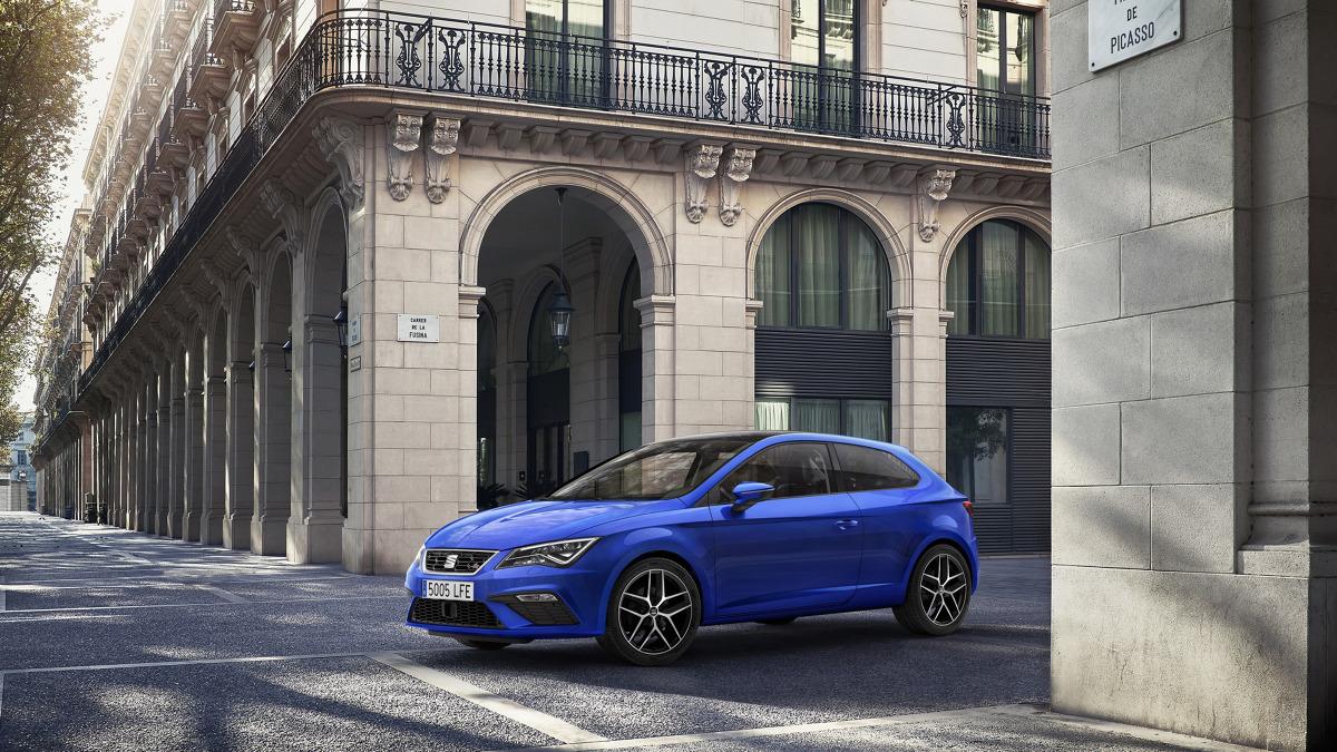 Seat Leon   Ceny wersji Reference z silnikiem 1.2 TSI (86 KM), manualną skrzynią biegów, radiem i klimatyzacją rozpoczynają się od 59 300 zł.   Fot. Seat