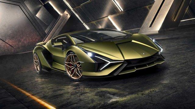 Lamborghini Sian  Sprint do setki trwa zaledwie 2,8 sekundy, a prędkość maksymalna wynosi 350 km/h. Zdecydowano się na napęd na cztery koła oraz zastosowano mechanizm różnicowy o ograniczonym uślizgu.   Fot. Lamborghini