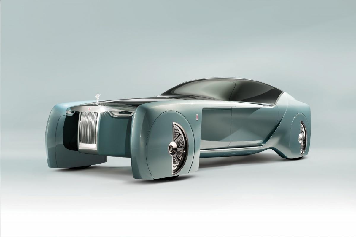 Rolls-Royce Vision Next 100  Wiadomo, że samochód przystosowany jest do autonomicznej jazdy. Niestety żadne szczegóły techniczne nie zostały podane.   Fot. Rolls-Royce