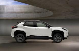 Prapenjualan SUV baru Toyota dimulai di kota pada 1 Juni, dan pelanggan telah memesan 450 unit, 75 persen di antaranya adalah hibrida.  Namun, mereka harus menunggu mobil mereka sampai Oktober.  Harga untuk Yaris Cross mulai dari PLN 74.900, dan versi hybrid seharga PLN 88.900.  Akankah SUV B-Class baru ini memenangkan hati kita?  gambar toyota