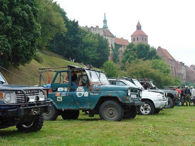 Zlot miłośników samochodów terenowych w Grudziądzu