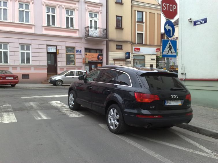 Nieprawidłowe parkowanie - zdjęcia z ulic miast