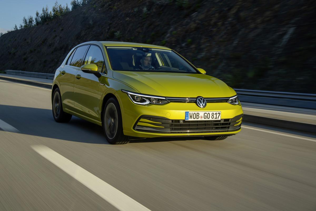 Nowe jednostki benzynowe działają w innowacyjnym cyklu Millera dla silników TSI, wykazując bardzo niskie zużycie paliwa i niską emisję szkodliwych substancji. Fot. Volkswagen