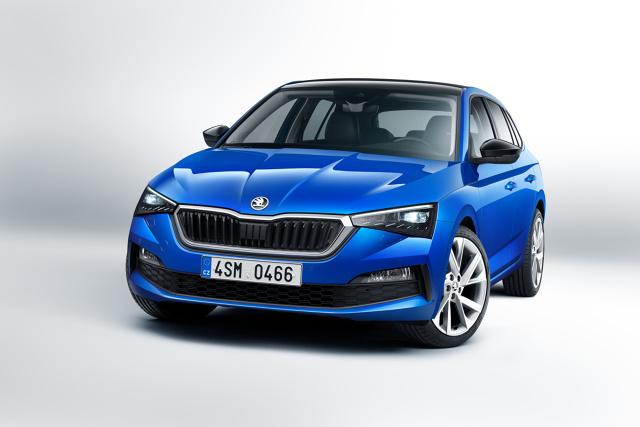 Skoda Scala   Wśród jednostek napędowych są wyłącznie silniki turbodoładowane. Na polskim rynku podstawowym silnikiem jest trzycylindrowa jednostka 1.0 TSI o mocy 115 KM konfigurowana z sześciobiegową skrzynią manualną. Najmocniejszym silnikiem benzynowym będzie czterocylindrowa jednostka 1.5 TSI o mocy 150 KM wyposażana w siedmiobiegową przekładnię DSG.  Fot. Skoda