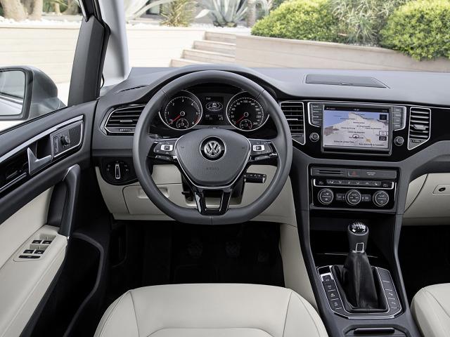 zdjęcie Volkswagen Golf Sportsvan