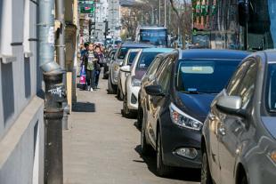 Parkowanie na chodniku. Zmienią sie zasady?