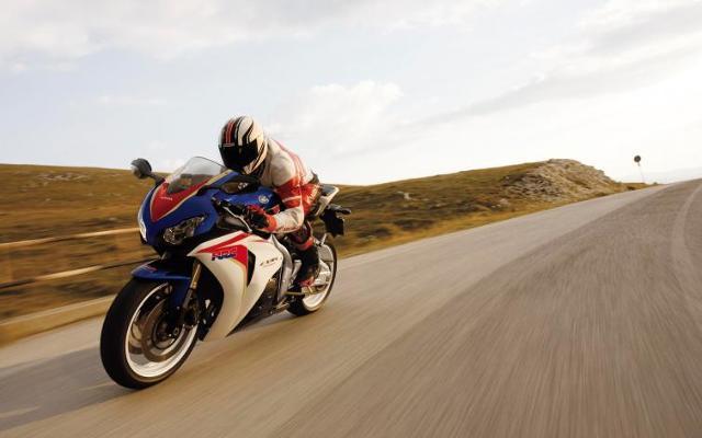 Honda CBR1000RR Fireblade i ponad 322 km/h