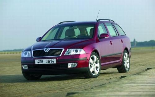 Fot. Skoda: Skoda Octavia II kombi jest większa od poprzedniczki. Auto zbudowano na płycie podłogowej najnowszego VW Golfa.