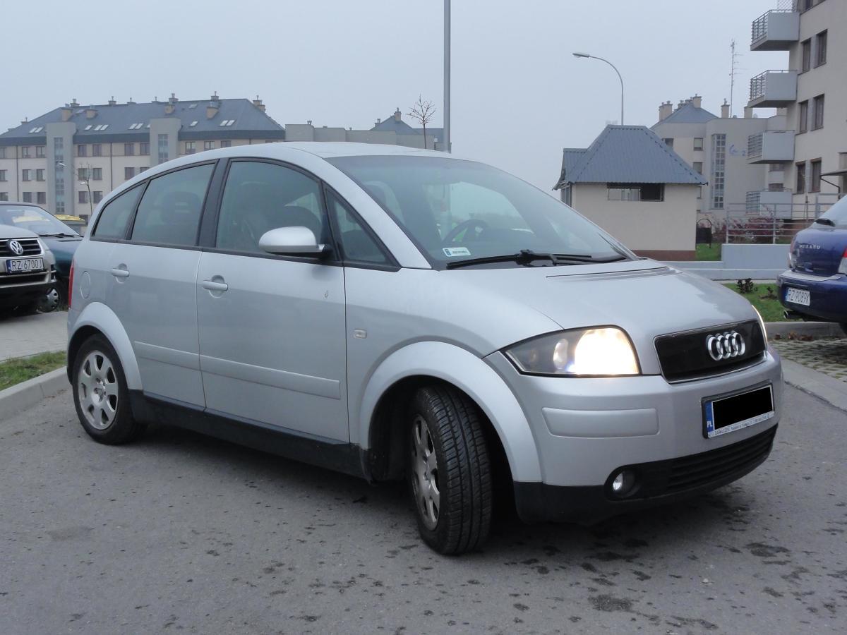 Audi A2 w swojej klasie to z pewnością jeden z najlepszych samochodów, a wysoką cenę rekompensuje jego niskie zużycie paliwa i wysoka trwałość. Aby jak najbardziej zminimalizować ryzyko usterek warto wybrać jednak silnik 1,4 – zarówno szukając diesla, jak i benzyniaka / Fot. Bartosz Gubernat