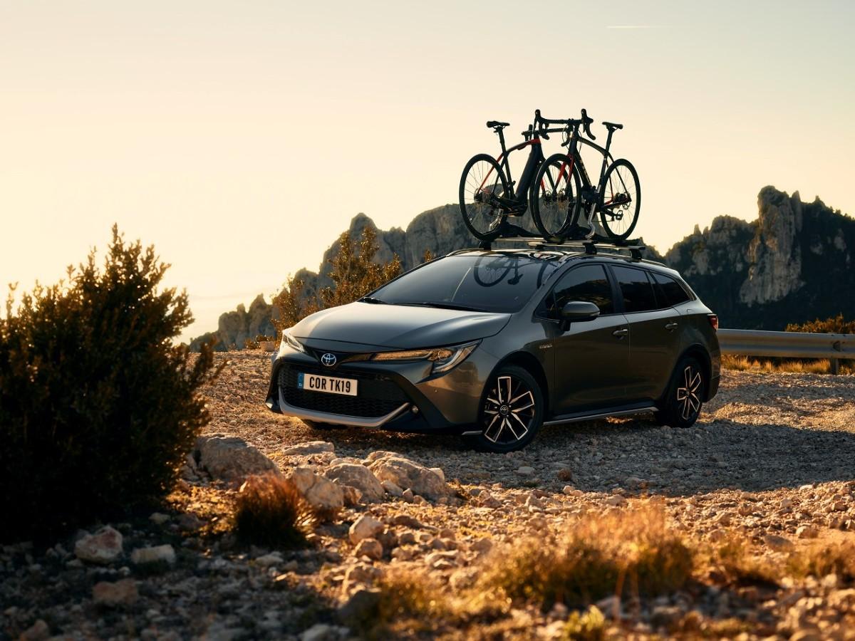 Toyota Corolla Trek  Corolla Trek, nowa edycja specjalna oferowana dla modelu Corolla TS Kombi, zostanie zademonstrowana po raz pierwszy na salonie samochodowym w Genewie 5 marca. Samochód o podwyższonym zawieszeniu powstał z myślą o osobach, które cenią aktywny styl życia i spędzanie czasu w plenerze.  Fot. Toyota