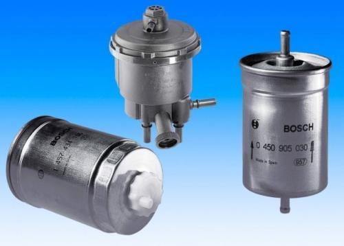 Fot. Bosch: Filtr benzyny należy wymieniać raz na dwa lata, a filtr oleju napędowego – co roku.