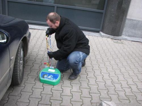 Fot. Tomasz Szmandra: Dzięki siatce umocowanej na elastycznym pałąku, można łatwo objąć nim całe koło.