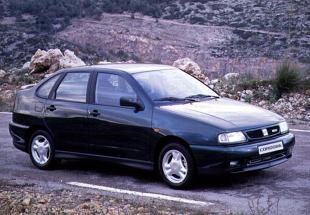 SEAT Cordoba I (6K) (1993 - 2002) Sedan