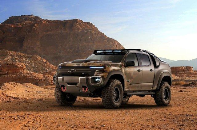 Chevrolet Colorado ZH2   Atutem pojazdu jest olbrzymi moment obrotowy dostępny w każdej chwili. Z powodu braku silnika spalinowego trudniej go namierzyć, ale problemem może okazać się tankowanie wodoru w warunkach polowych.   Fot. Chevrolet