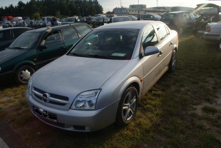Giełdy samochodowe w Kielcach i Sandomierzu (18.09) - ceny i zdjęcia