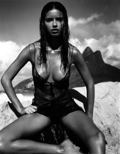 Fot. Pirelli: Okładka – Adriana Lima