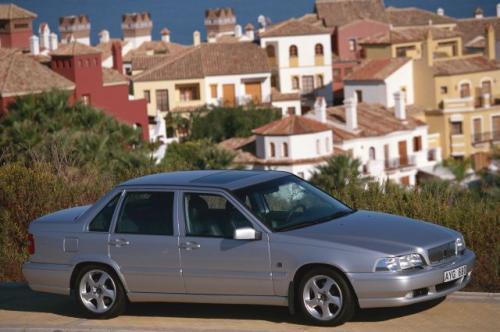 Fot. Volvo: Produkowany od 1996 r. Volvo S70, czyli sedan, nie był ulubionym modelem firmy. Z powodu braku nabywców produkcję przerwano w 2000 r.