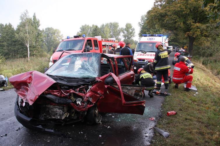 Polskie drogi - 42 osoby zginęły od piątku w wypadkach